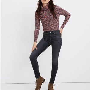 """NWT 9"""" Mid-Rise Skinny Jeans in Clarksville Wash"""
